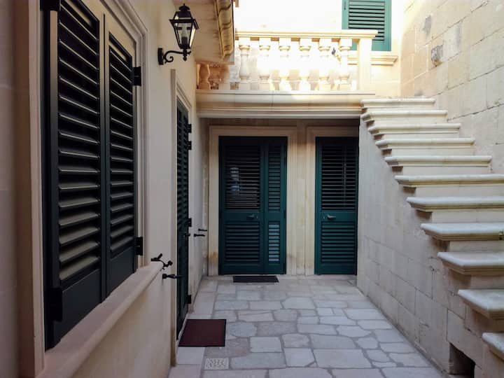 A Maglie  in centro storico, abitazione del '600