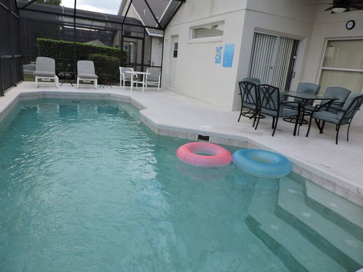 Ref 12. Modern 4 Bed 3 Bath villa with private pool. Disney