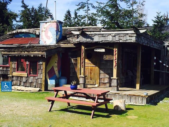 The Breakers Resort (Cabin 4)