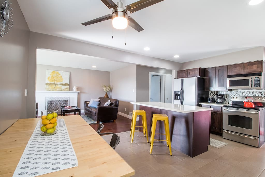 Large Kitchen - great for entertaining or larger groups