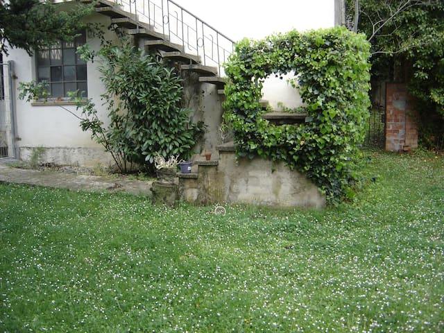 Caseta  acollidora entre la Garrotxa i l'Empordà - Maià de Montcal - Gästehaus