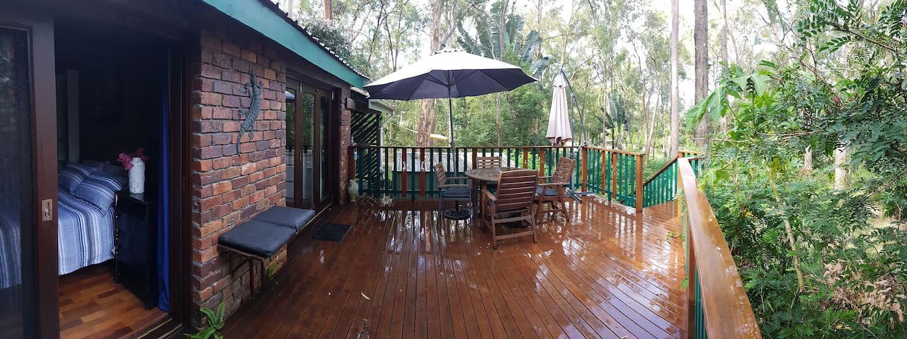 Bushland hideaway, self contained, near facilities