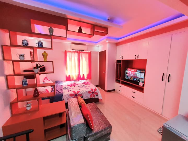 All-New Condo Bria Scarlet 215 + WIFI + Netflix