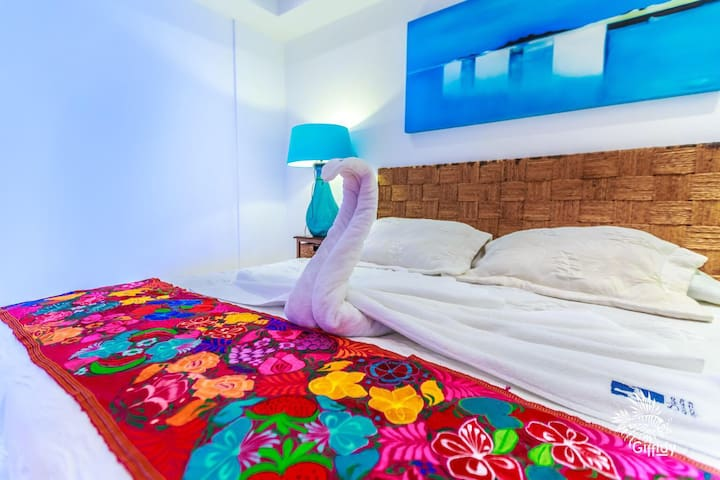 Deep Blue Isla Mujeres 301