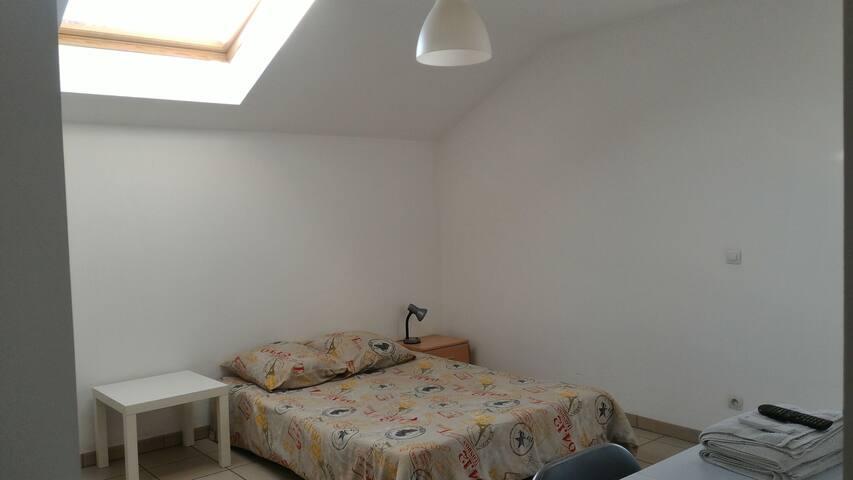 Studio meublé à louer à Pau (Lons)