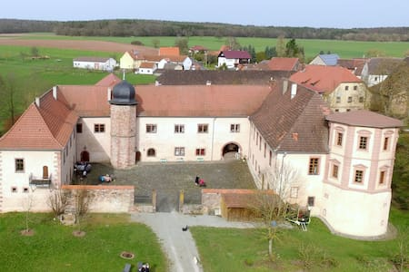 Schloss Waizenbach, Ferienwohnung I