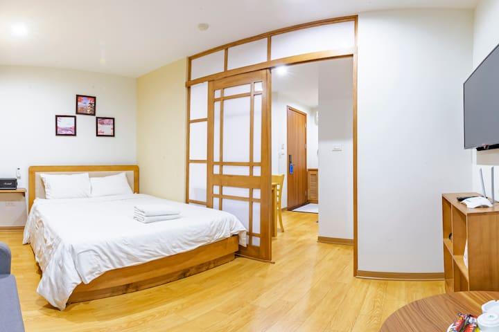 22HOUSING#34- 01 BEDROOM/LUXURY/STYLE/CENTRE HANOI