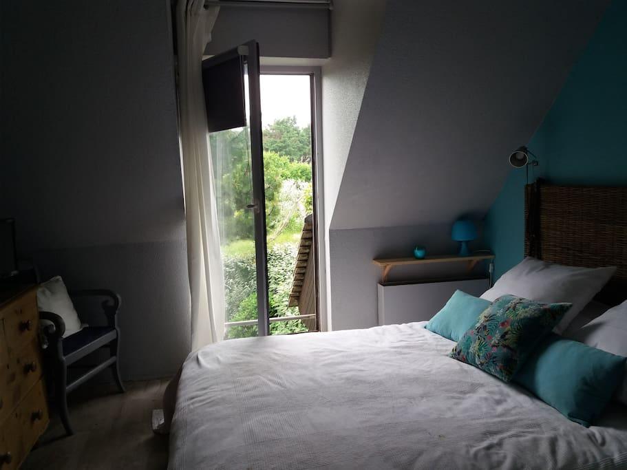 chambre pour 2 personnes au 1er étage avec placard, avec vue sur les dunes