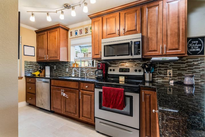 Best Location! Close to SDC & on Lake, King Master