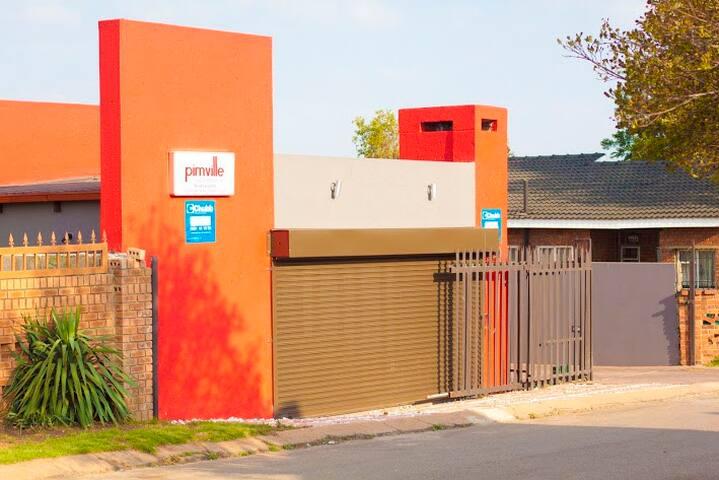 Pimville Guesthouse - Soweto