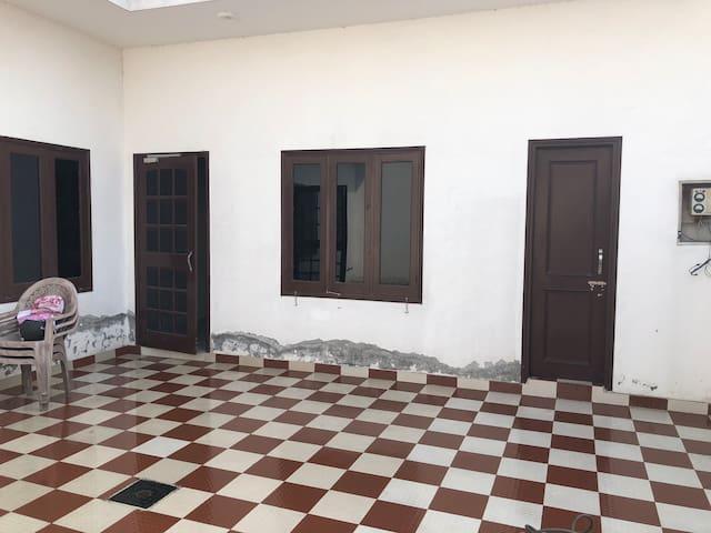 Homestay next to Dera Beas Gate 13