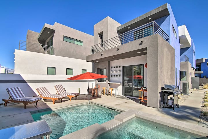 NEW! Modern Palm Springs Oasis w/ Mountain Views!