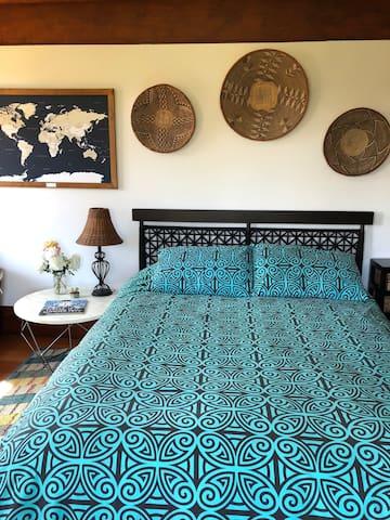Bedroom 2: Guest bedroom with queen bed