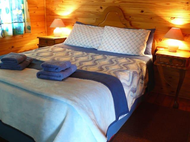 Bedroom Hoopoe Cottage
