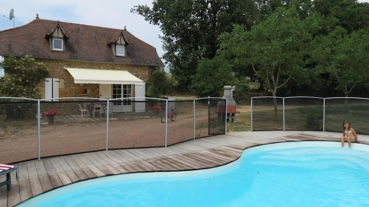 Maison à la campagne avec sa piscine chauffée