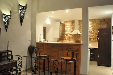 Nr Obidos romantic luxury stone barn 51sqm on farm - Obidos