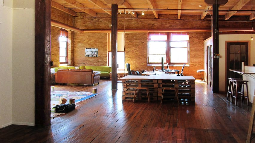 Huge Artist Loft in West Loop - Chicago - Loft