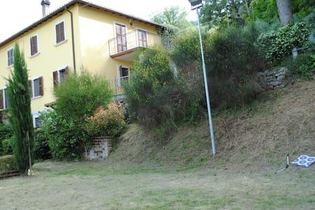 Casa Di Campagna su due livelli. - Ascoli Piceno