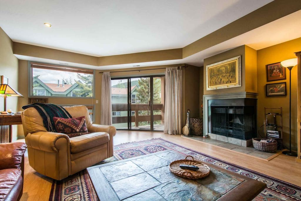 Welcome to our family-friendly, renovated and beautifully-maintained, classic three-bedroom and two bathroom condo next to Park City.