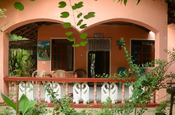 Villa Langoon View Guest House - Tangalle - Ev