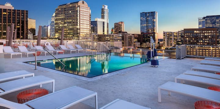 2 BR Presidential Club Wyndham downtown Austin