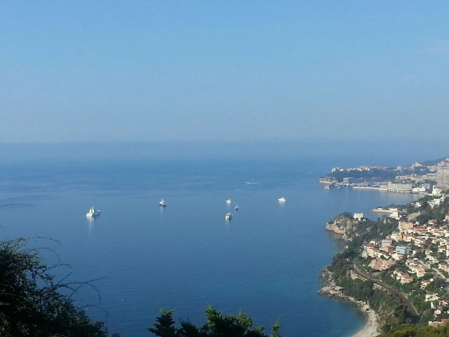 Magnifique chambre d h te vue mer bed and breakfasts for for Chambre d hote cote d azur