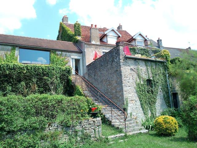 Chambres Maison de village avec vue