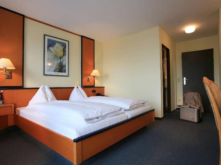 Ambient Hotel Salzburger Hof, (Giengen), Familienzimmer für 5 Personen
