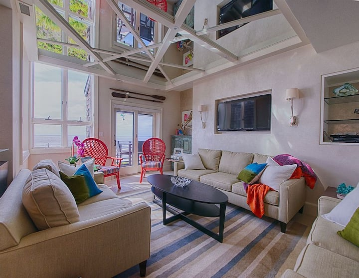 Outstanding Spacious Oceanfront 4BR/3BTH Penthouse