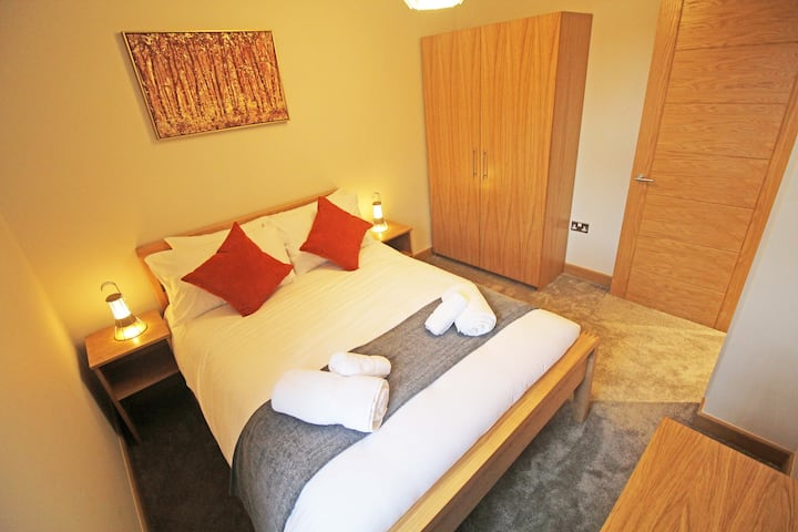 Luxury Central Chester Apartment - Free Parking