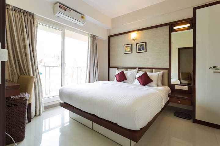 Premium Furnished Studio Apartment @Prime Location - Kochi - Appartement