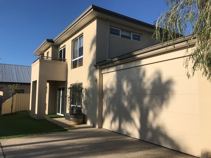 Large family home close to Fremantle and the beach