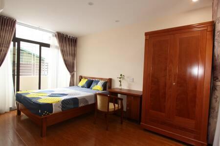4C Apartment 2