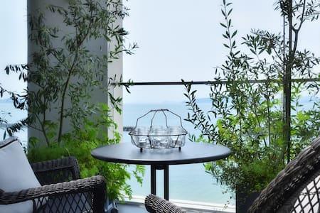 Luxury beach front house in Japan ♡ - Matsuyama-shi - Rumah