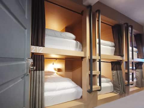 Cloud9 Hotel 6 Bed Mixed Dorm Hua Hin City Center