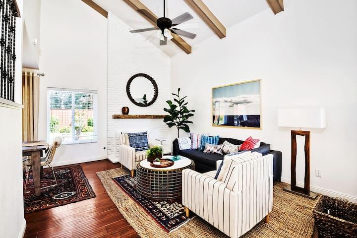 Professionally Designed 5 Bedroom large back yard