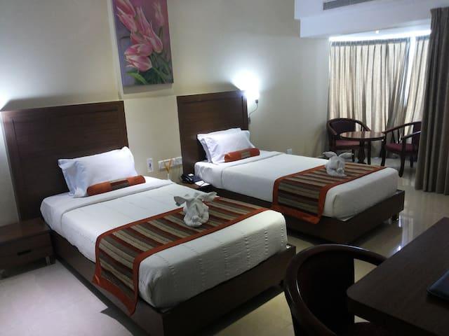 Deluxe Room W/Breakfast Near Sriperumpudur SIPCOT