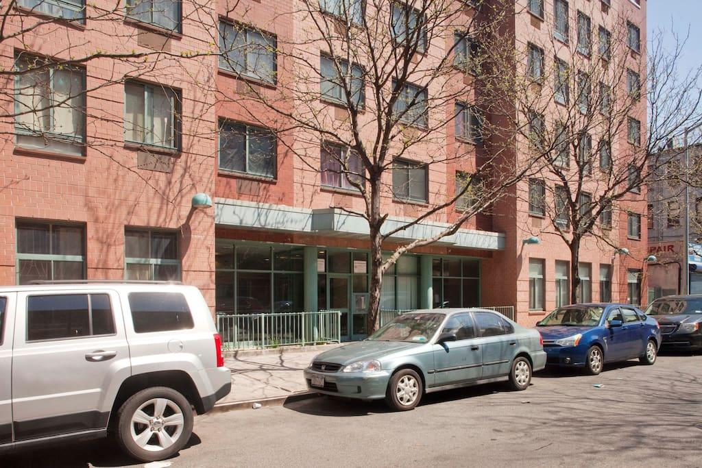 My Apt Building 171 E 109 St