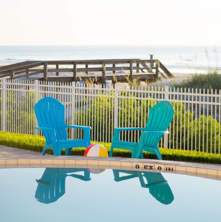 Oceanfront Condo - Walk Out To Lawn, Pool, Beach!