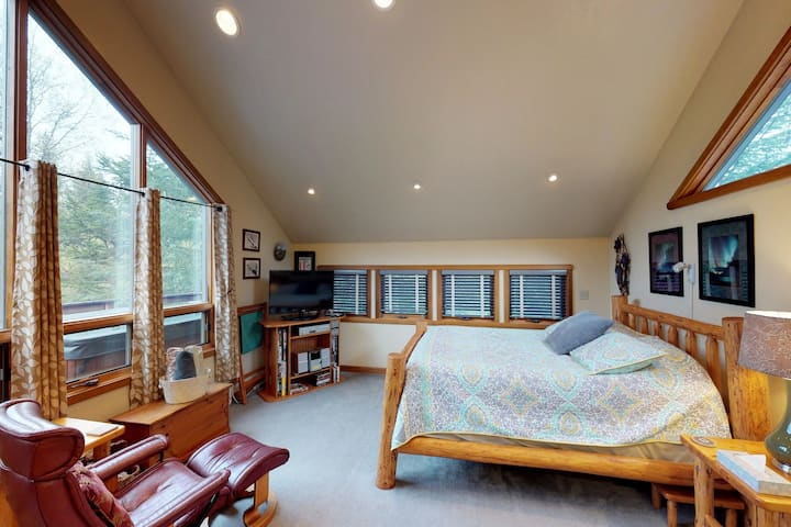 Studio with tranquil glacier views features private hot tub and more