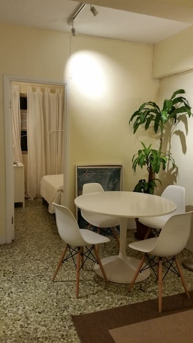 Freshly decorated,  2 bedroom apt. in a quiet haven in Central.  Bright, sunny, green surroundings. 5 min. walk to Central & Sheung Wan MTR and Central Airport Express station.