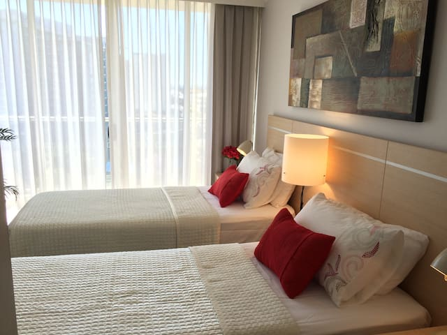 2nd Bedroom (Different Linen)
