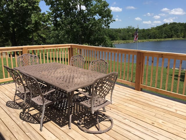 17 Acre Lake Retreat  - Cash Lodge - Perryville - Dom