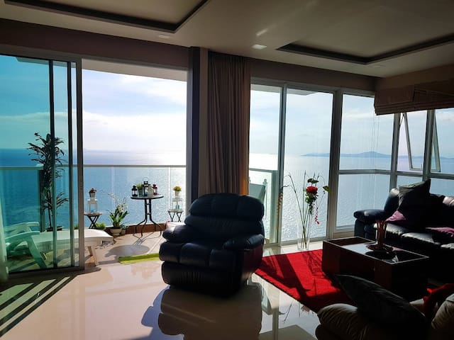 Luxury new High floor 2BR with Fantastic sea view