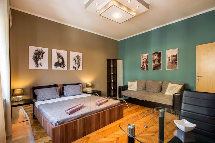 GLORIJA, cozy studio-apartment in Belgrade center