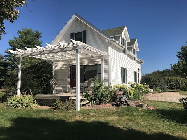 Carriage House (acreage)