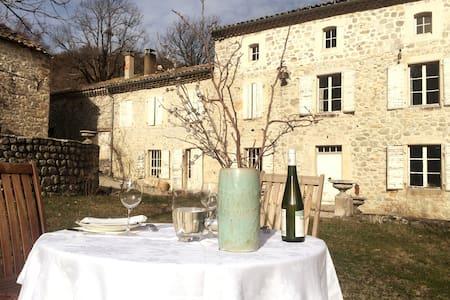 Chambre privée dans un Château_Drôme-Diois