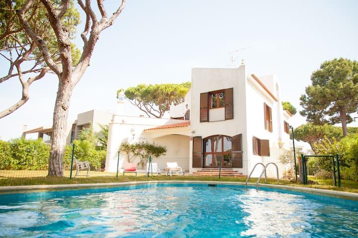 Moradia com Piscina e Jardim em Vilamoura - Quarteira - Holiday home