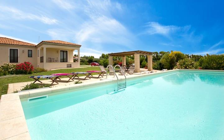 Villa Melisandre - Alghero,  Piscina e WiFi