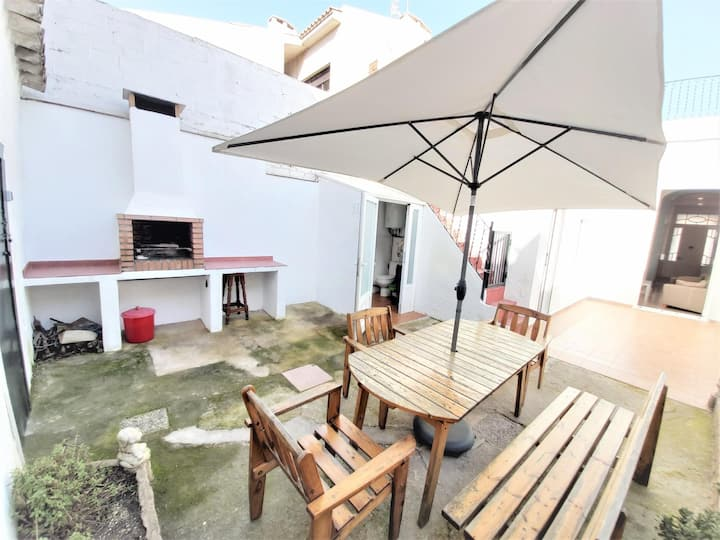 CICLOPE. House with terrace and barbecue near the sea